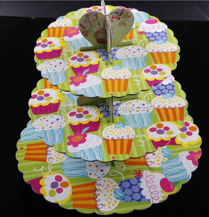 cardboard cupcake stsand.jpg