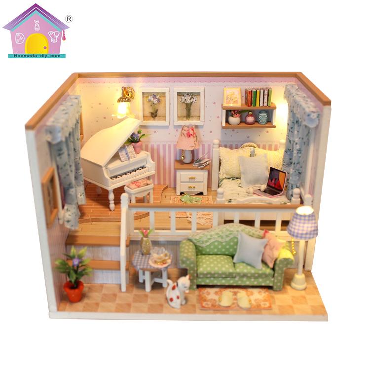 Марта, миниатюрная открытка кукольный домик