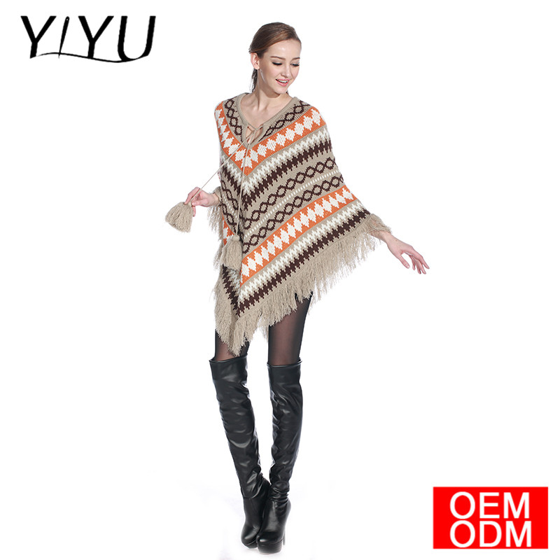 2016 Fashion design women oversize lapel pullover knitting pattern poncho with fringed
