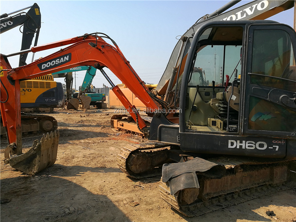 less working condition South Korea dh60-7 crawler excavator , used 380 370 200 225 220 excavator for sale
