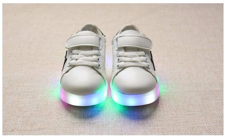 Children Casual Shoes 2017 Fashion Boys Girls Sport Shoes Baby LED Light Luminous Sneakers Flasher Baby Snow Boot