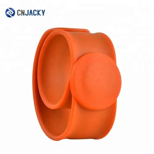 RFID Silicone Wristband Bracelet Pat Band with RFID Steel Ring Wristband Hand Ring