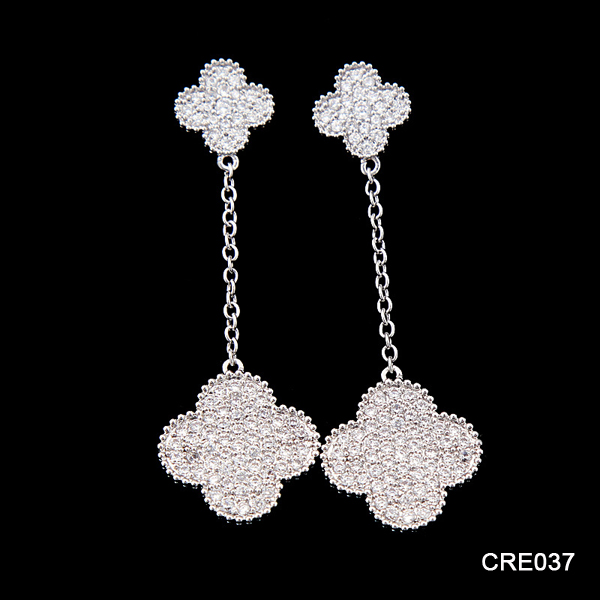 Alibaba Duoying Jewelry Real Gold Plating White CZ Micro Pave Four Leaf Clover Jewelry Long Hanging Earrings