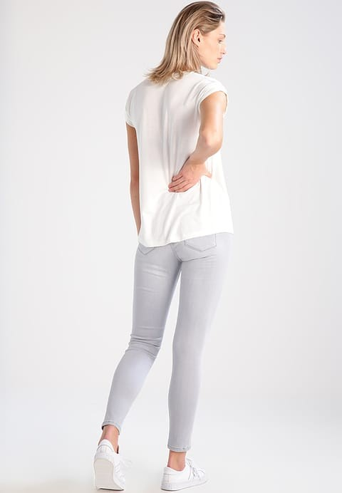 Wellone high quality OEM service white color silk screen printing 100 cotton custom womens t shirt