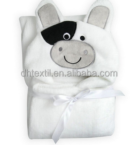 Free sample 100% polyester hooded blanket for baby
