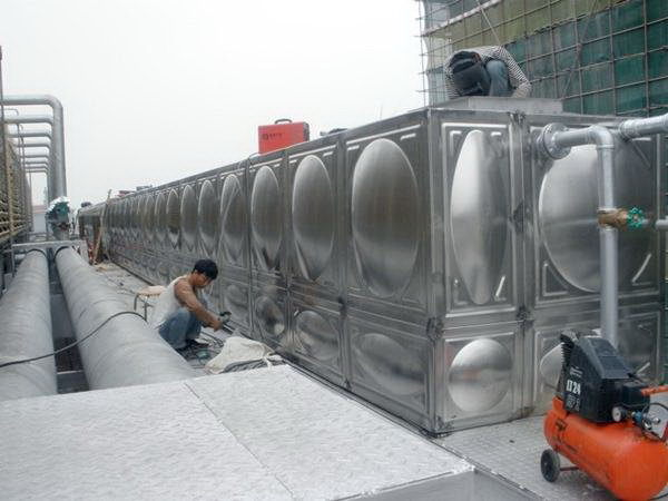 Design Top Sell 316 Stainless Steel Water Tank For House