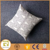 Wholesale 50% Cotton &50Linen triangle printed printed throw pillows