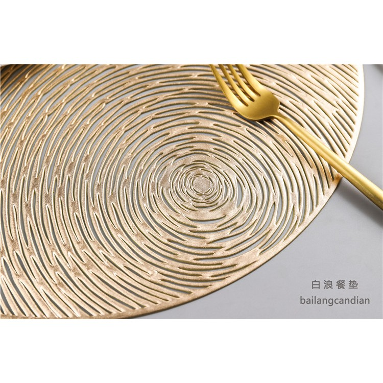 China New Custom Nonslip Heat Insulation Place Mats Soft Vinyl Silver Woven Table Placemats PVC Plastic Coaster for Dining Table