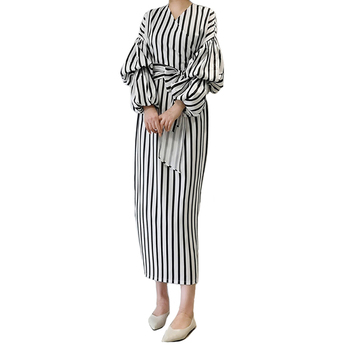 Fashionable Unique latest Strip Design Muslim Women Casual Dress Abaya