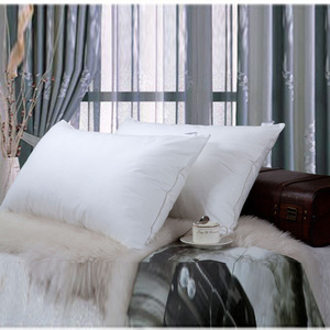100% cotton fabric filling 30% white duck down pillows guangzhou