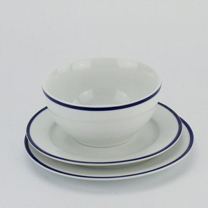 New production popular white pakistani porcelain 16 pcs dinner set with blue rimmed