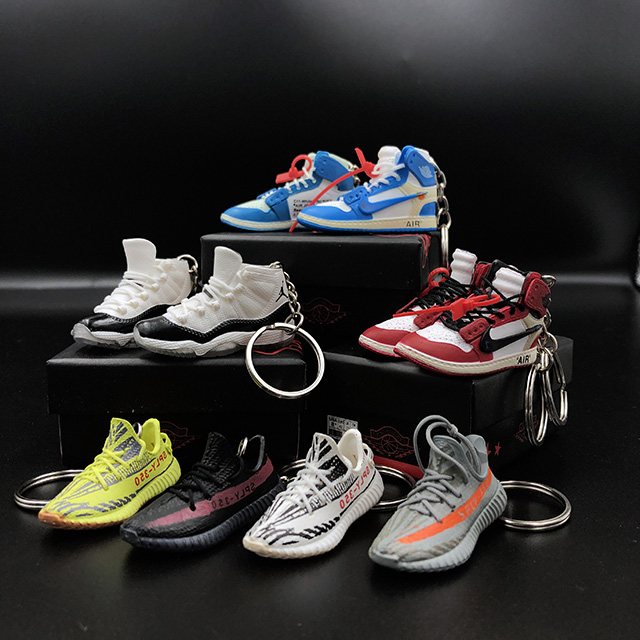 Wholesale 3D Plastic Yeezy 350 <strong>v2</strong> Air Jordan Shoes Sneaker Keychain With Mini box