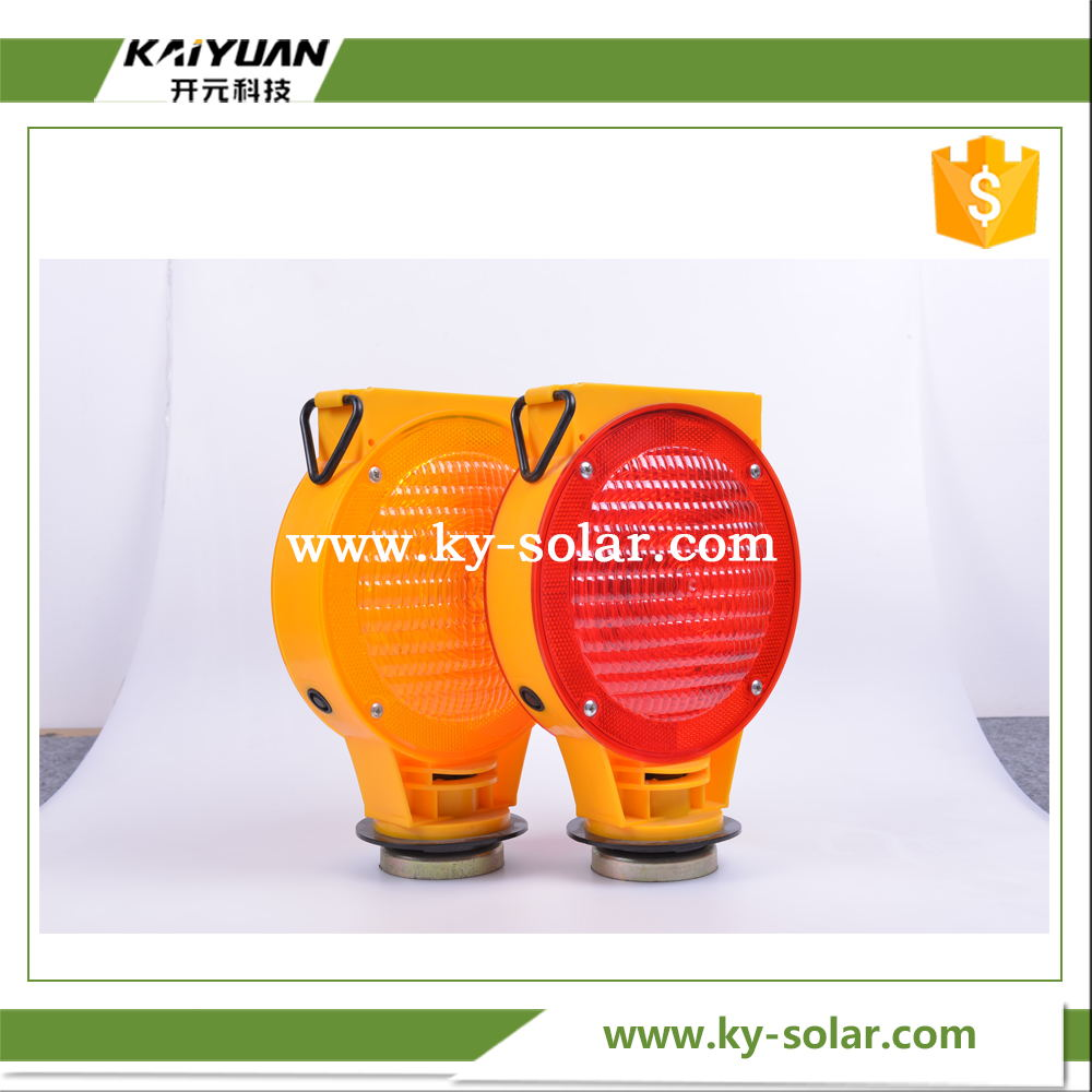 2016 Manufacturer price solar traffic cone light with solar panel