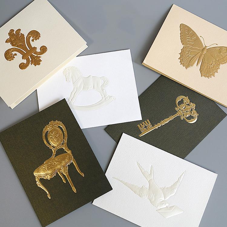 открытка с фольгированием на дизайнерской бумаге одновременно поступательно