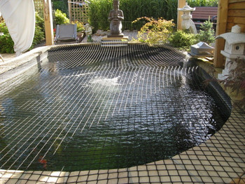 Plastic bird netting fence pond cover netting mesh fish for Garden pond netting cover