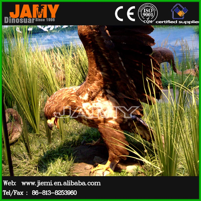 Simulated Flying Animal Model of Resin Eagle Statue