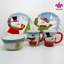 Snowman design unglazed ceramic plate,ceramic plates manufacturers with christmas decoration