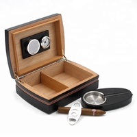 High Quality Personalized Design Small Size Leather &amp Wood Cigar Box Humidor with Cigar Cutter