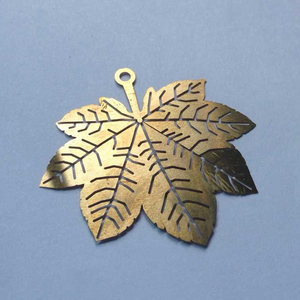 New Design Customized Etched Maple Leaf/ Butterfly/ Snowflake For Christmas Ornament