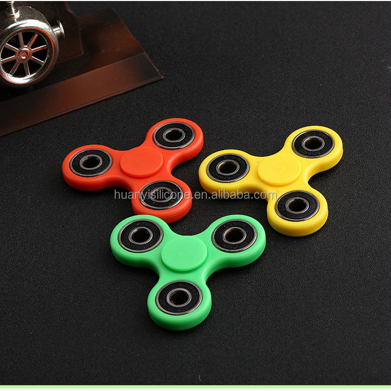 Wholesale anti anxiety desk toy alunimun alloy LED flashing fidget spinner