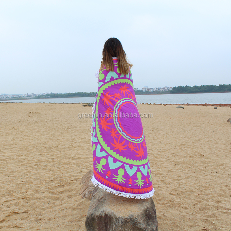 beach towels on sand. 150*150cm Size Muslim Tapestry Picnic Mat , Sand Proof Beach Blanket Round Towels On