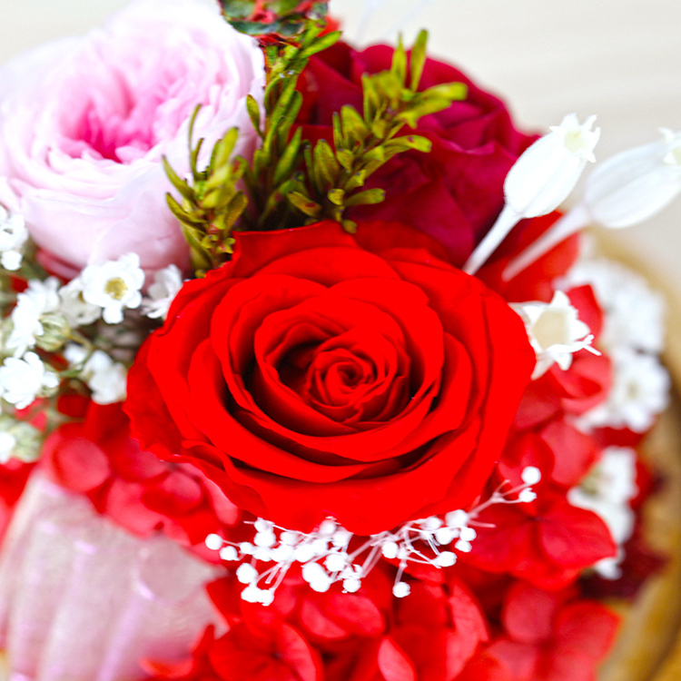 Feliz cumpleanos con rosas naturales