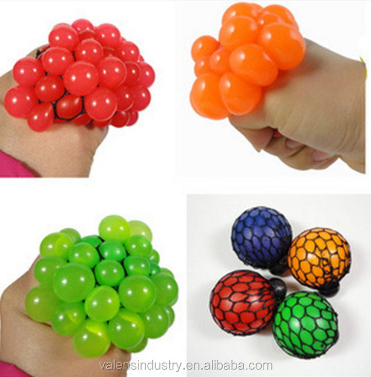 Hot selling 2017 wholesale Popular Stress Relase squeeze mesh grape ball toys