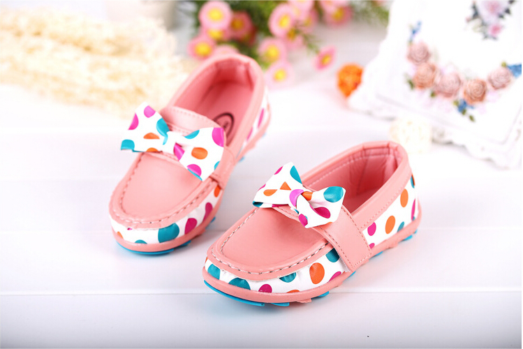 Children's shoes girl 2015 the spring and autumn period and the model of doug shoes of the girls Dot bow shoes baby soft bottom