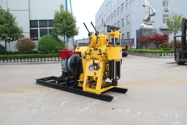 Cheap borehole drilling equipment price for small well drilling rig HZ200