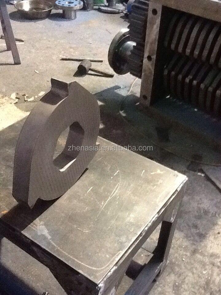 tire shredding machine