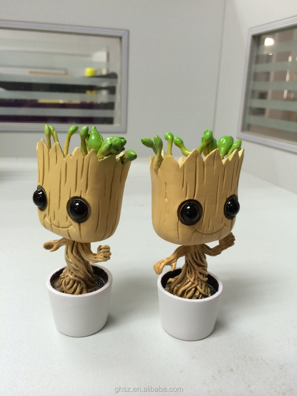 Guo hao custom hot toys dancing groot resin moving head for Things made from waste