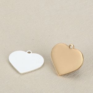 Stainless Steel Custom Heart Shape Engrave Logo Charms For Promotion
