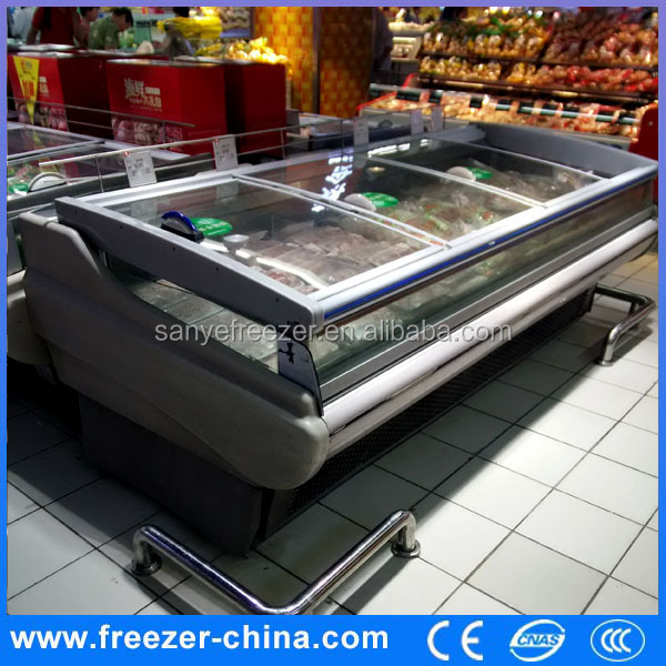 Portable refrigerated display cooler for supermarket meat display