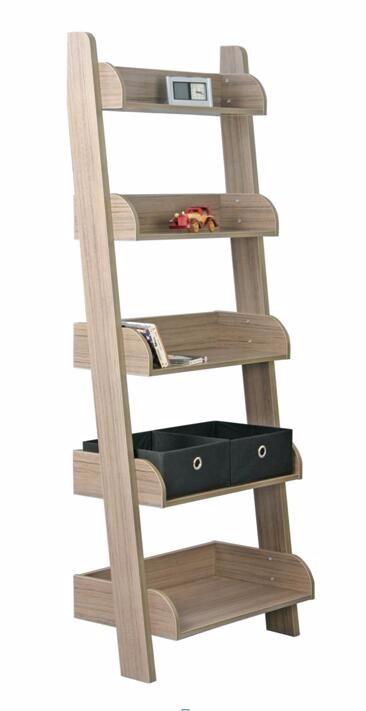 Badkamer Ladder. Cool Oude Houten Schilders Ladder In Je Interieur ...