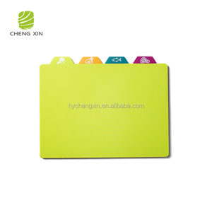 2018 new design colored index plastic chopping board set
