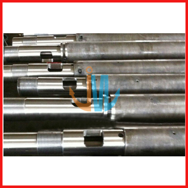 Bimetallic screw barrel for injection molding machine