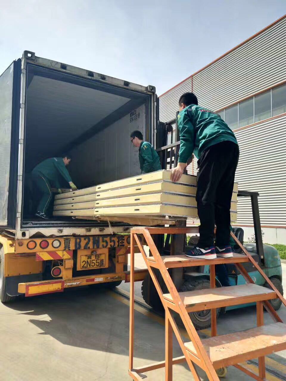 Color plate 20ft containerized room cold room sandwich panel