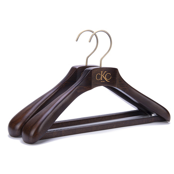 High end customized suits used deluxe branded men's wooden hanger suit