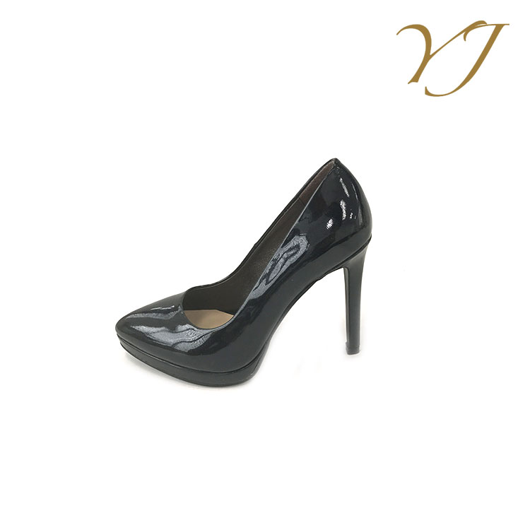 Popular and fashion latest women feet in high heels black platform heels