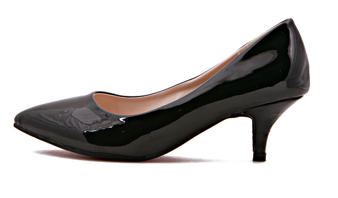 Should women me made to wear high heels at work   1b96ba8ac
