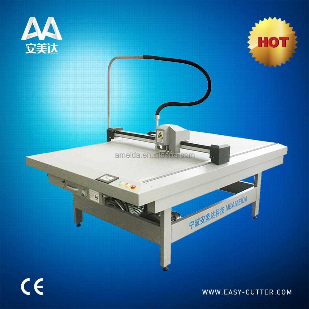 Digital Control Pattern Cutting Machine For Footwear Bags And Garment