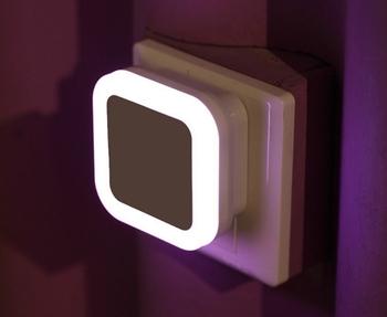 Licht En Bewegingssensor : Bed lamp us eu plug auto led licht inductie bewegingssensor controle