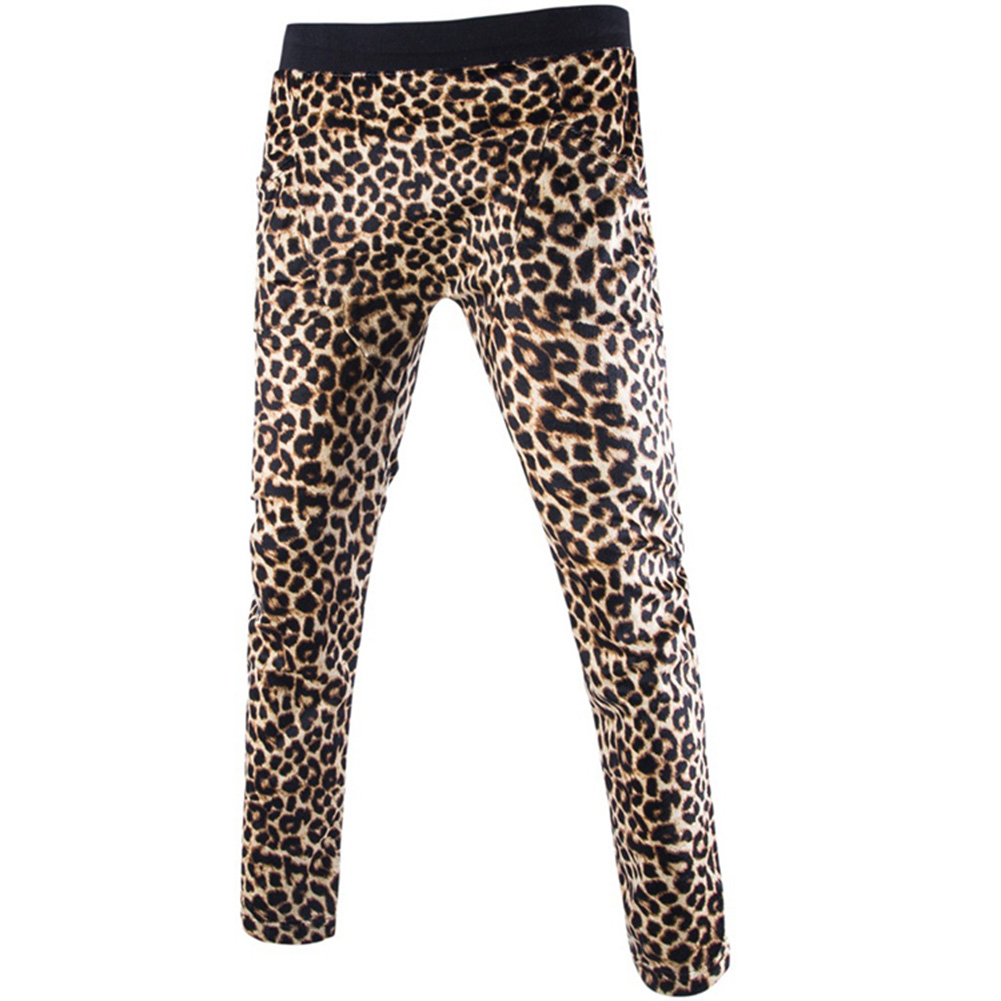 Leopard Print Plush Pajama Pants for Juniors • Funky leopard animal print• Cozy, plush fabric• Drawstring and elastic waistband• Totally Pink brandJunior sizes run slightly smaller than women's sizes. They are s.