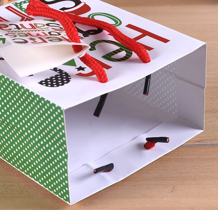 Oempromo hot sale cheap christmas paper shopping gift bag