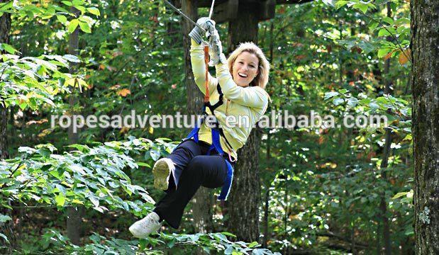 Klettergerüst Baum : Forest park abenteuer klettergerüst seil natürlich wald