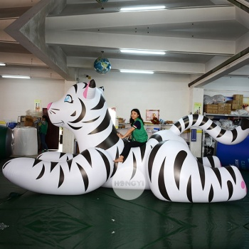 The Best Selling PVC Forest Park Decorated With Giant Inflatable Tigers