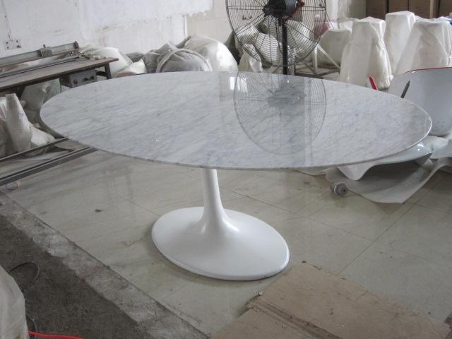 Saarinen Tafel Ovaal : Eero saarinen tulip tafel elegante ovale eettafel met marmeren