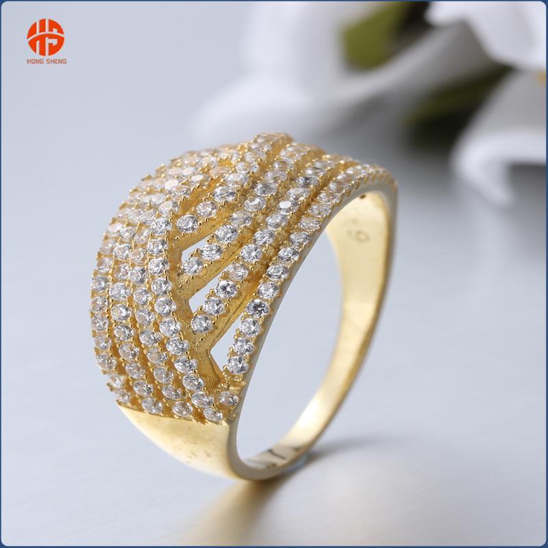 Anillos de oro con diamantes para mujer