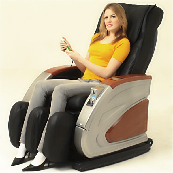 massage chair in mall. shopping mall vending massage chair with leg massager in a