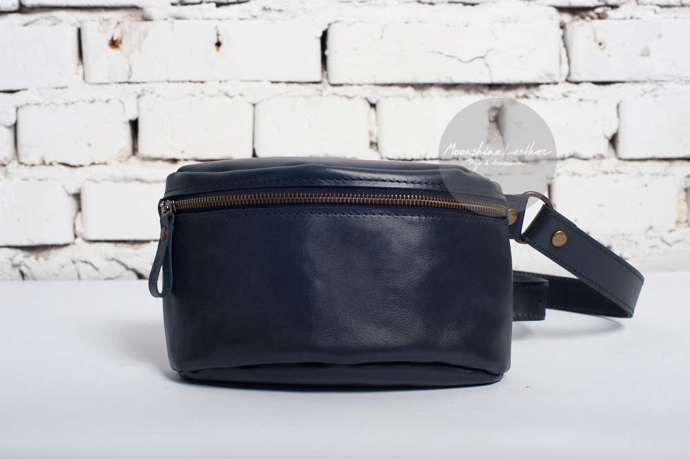 Leather fanny pack, hip back, mens fanny pack, leather crossbody bag, leather waist bag, mens belt bag, travel bag, womens fanny pack, bum bag